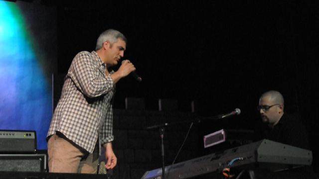 Taylor Hicks, Brian Less Maplewood The Border Song