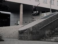 I went skating, sweated, got injured, had fun. This is pure me 2010.  Filmed by my friends, most of the time Alex Rudolf. Music by an unknown underground band no one ever heard of. die käfer - es ist alles zu viel. Skating ...