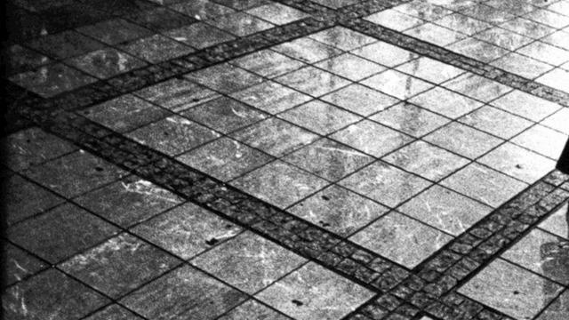 Le miroir bris 39 39 jacques pr vert on vimeo for Le miroir brise