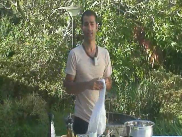 Omid Makes Pad Thai à la Raw