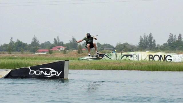 Andy Kolb at Thai Wake Park 2011