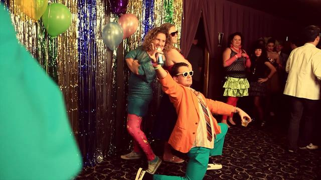 Drink Eat Play Presents:80s Prom