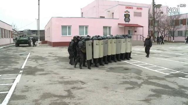 """Brigada """"Fulger"""" a efectuat demonstraţii speciale pentru elevi"""