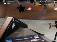 www.forwardfreestyle.eu Friday 18th, Saturday 19th and Sunday 20th March 2011 Nantes, France Le Hangar Skatepark riders: Jeremy Suarez (3'26) Mathias Silhan (3'37) Fabio Soares (3'40) Etienne Camus (...