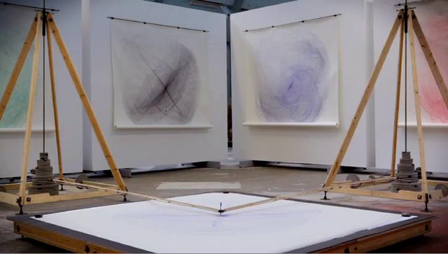 Video | Drawing Machine by Eske Rex