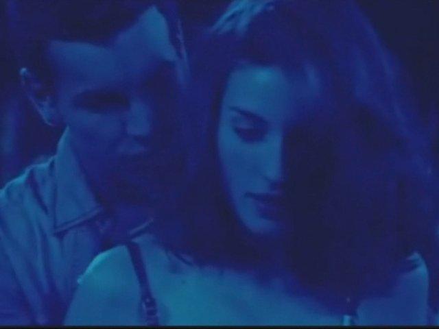 Escena de Hache y Babi en la discoteca- A tres metros sobre el cielo