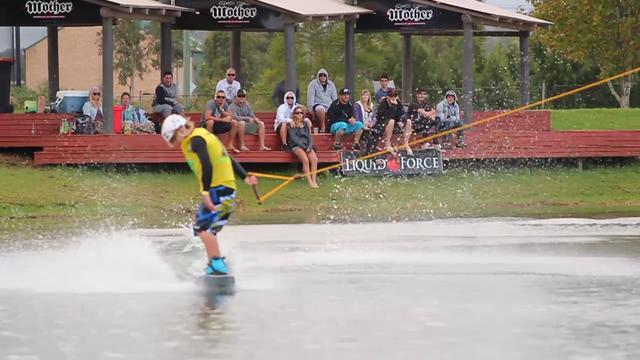 Matty Hasler na wyciągu - wakeboard