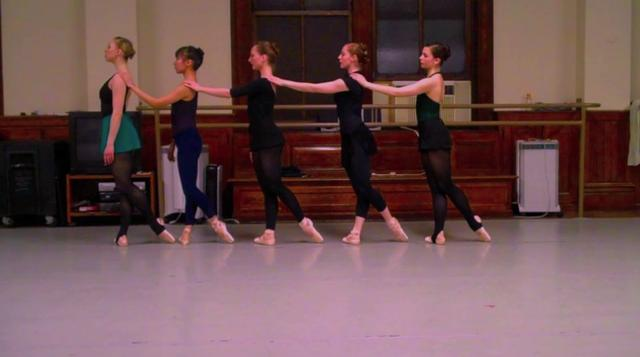 A Pointed Dance Minute with The New York Theatre Ballet