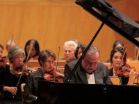 Pianist Yafim Bronfman performs in Zaragoza