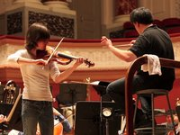Lisa Batiashvili rehearses with New York Philharmonic in Basel