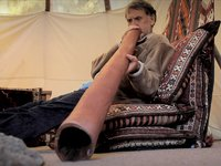 How To Play Didgeridoo with Wayne Lynch
