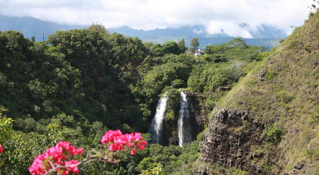 Kauai: Legends and Landscapes