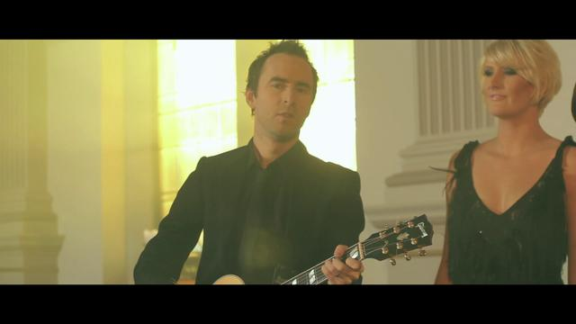 Damien Leith & The McClymonts - Blue Bayou