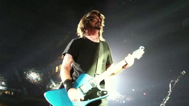 Thumbnail of video Foo Fighters en el Palacio de Deportes (Madrid) _6/7/2011