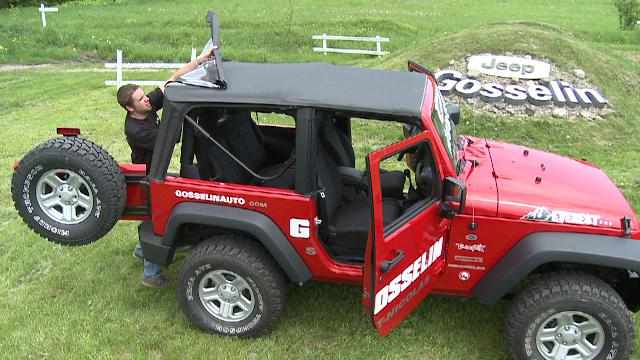 manipulation du toit souple et sunrider jeep wrangler 2 portes on vimeo. Black Bedroom Furniture Sets. Home Design Ideas