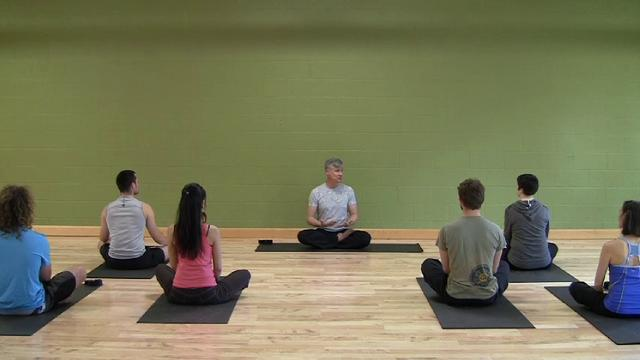 Moderate Kripalu Yoga Class with Devarshi Steven Hartman