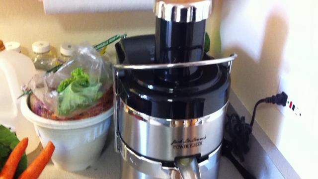 Jack Lalanne Masticating Juicer ~ Juicing with the jack lalanne juicer