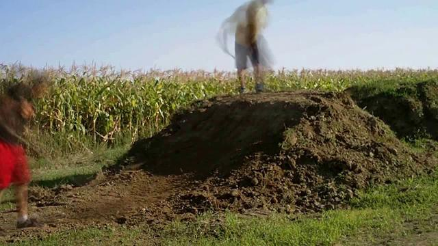 how to make a dirt bike jump out of dirt