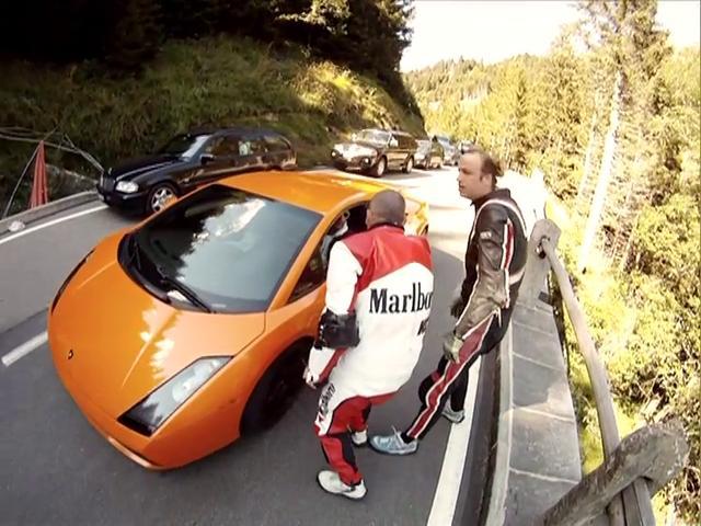 Street Lugers VS Lamborghini