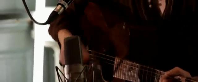 The Kooks - Carried Away (Live)