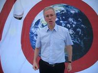 Stéphane Dion of the Liberal Party of Canada praises Avaaz