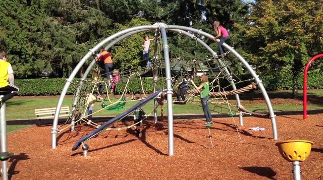 Kompan explorer dome on vimeo for Playground equipment ideas