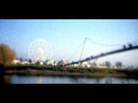 Funfair and seagulls (00:30)
