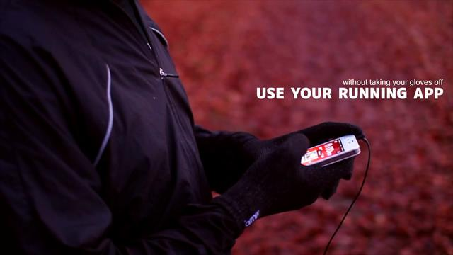 Mujjo sports touchscreen gloves