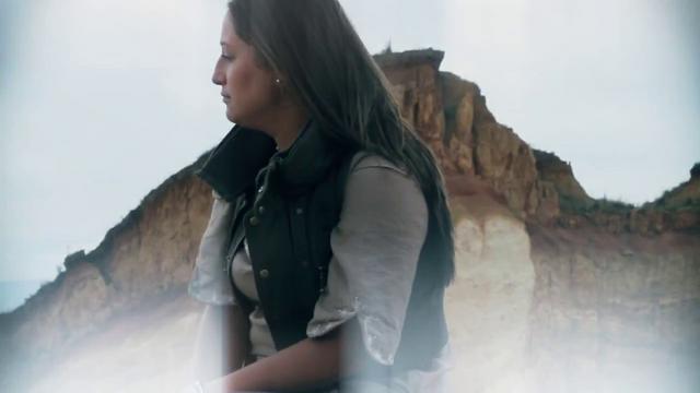 Thumbnail of video Abro Mi Tierra A Tu Lluvia (Paulina Rojas) videoclip oficial