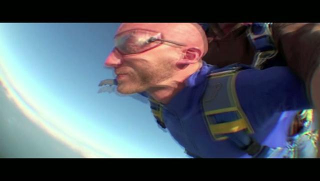 Saut Parachute - Quiberon (Entre ciel et terre - Bretagne Entreprise) on Vimeo