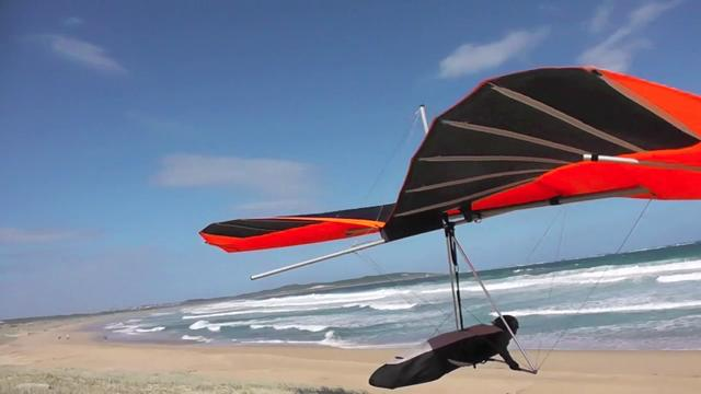 Low Hang Glide Soaring on the Beach