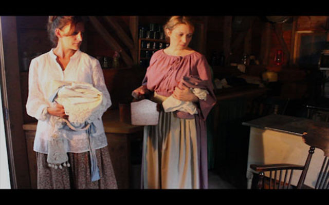 a jury of her peers Directed by sally heckel with diane de lorian, dorothy lancaster, sheila hinchliffe, mark margolis a farm woman is accused of murdering her husband in early 1900's midwest america.