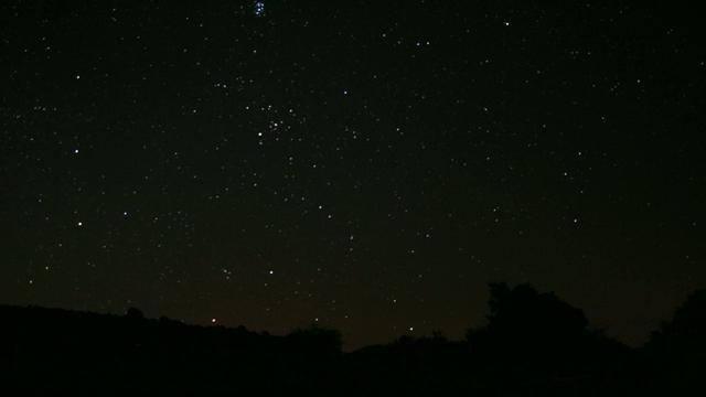 TIMELAPSE: Salida de Orion sobre el horizonte