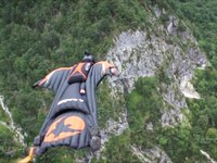 Need4Speed: Amazing Wingsuit Flying