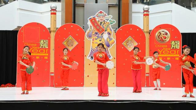 Chinese New Year 2012 Dance 05