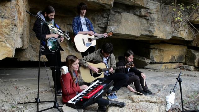 Miniatura del vídeo Wilhelm and the Dancing Animals - The Forests Have no Name (Unplugged)