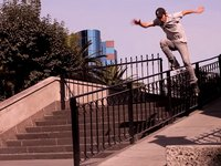 Video parte de Carlos Felix &quot;KB&quot; flow rider de razors, viene desde sonora a patinar en el DF con la pandillita de beyond :D  Compra tus Patines aqu: http://www.facebook.com/beyondproshop