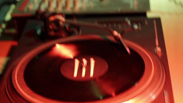 Rhythm & Sound w/ Willi Williams w/ Jah Cotton - See Mi Yah / Dem Never Know