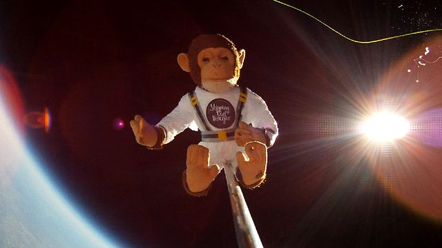 Skipping Girl Vinegar 'Chase The Sun' - Monkey In Space - Official