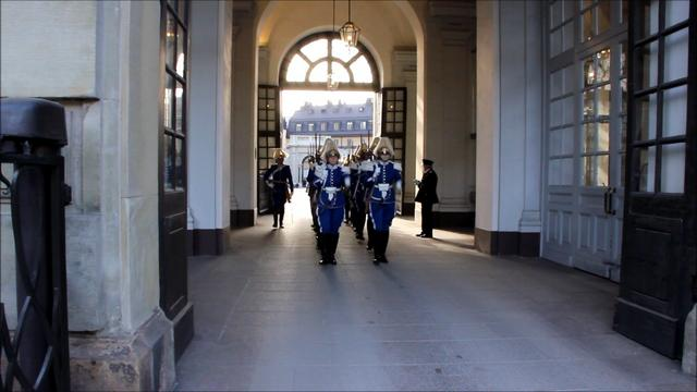 Ankomst till Kungliga Slottet / Arrival at the Royal Palace