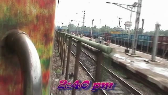 Coasting through Jharsuguda - Howrah-Mumbai Duronto (Aug. 10, 2011)