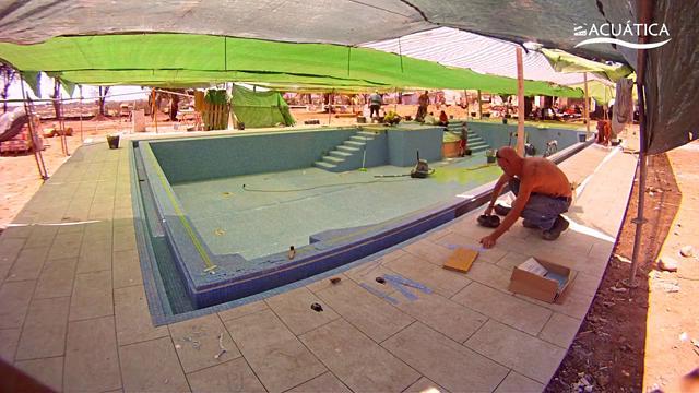 Construcci n de una piscina pool construction poolbau for Construccion de una piscina