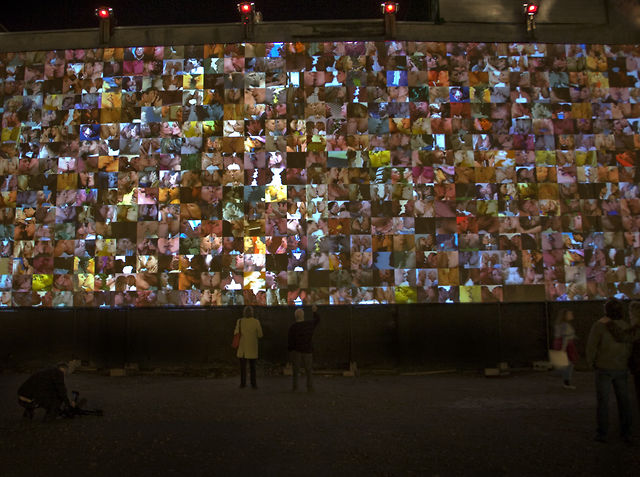 """Make Out"" at Mutek Festival (2009) by Rafael Lozano-Hemmer"