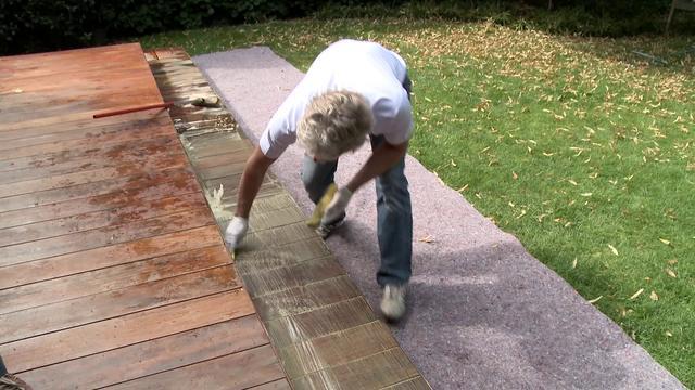 Een antislip op uw houten terras en bangkirai for Bankirai terras