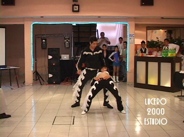 Estudio 2 Dancers Clip de video dance estudio 2