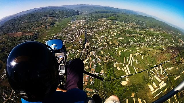 Flight on a powered paraglider політ на