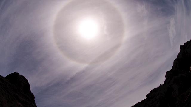 Lunar  and Sun  22º halos. Tenerife 2012