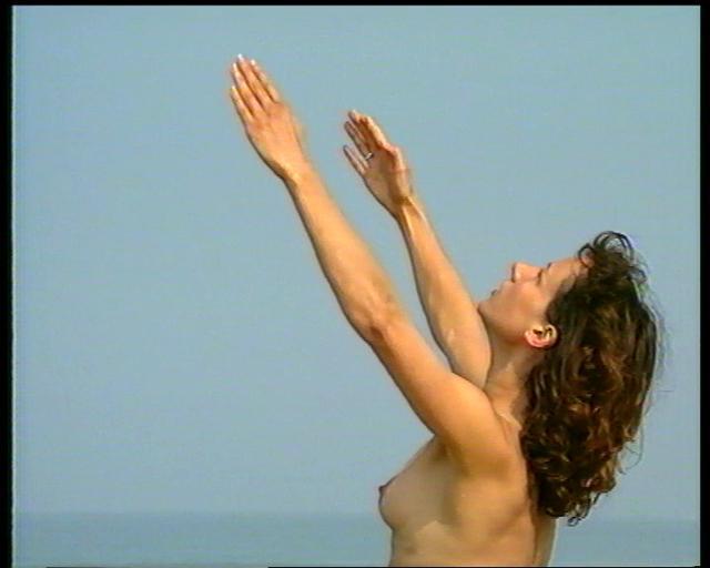 L'Oeil Du Cyclone: Chassez le naturiste...