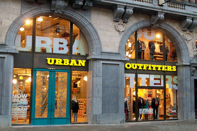 Urban outfitters antwerpen belgium on vimeo - Urban outfiters bruxelles ...