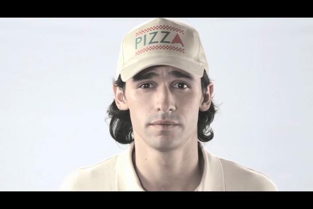 Campa�a de Cr�dito Hipotecario TV, Viral y Web, orientada a adultos j�venes que a�n no tienen su propia casa, como Pancho, el protagonista de la campa�a, de quien hablan sus amigos, su novia y el repartidor de pizza.